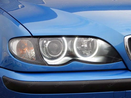 BMW 330i E46 LED Angel Eyes 2