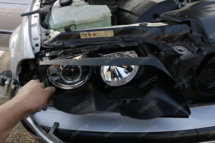 Install Switchback LED BMW Angel Eyes 05