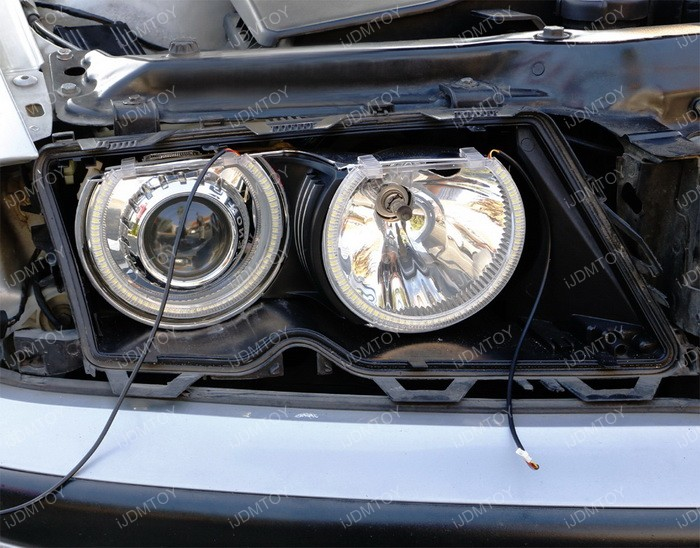 Install Switchback LED BMW Angel Eyes 06