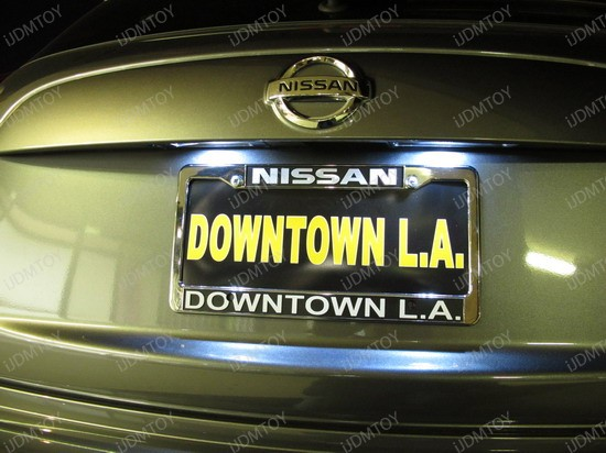 2011 - nissan - junk - licence - plate - lights - 2