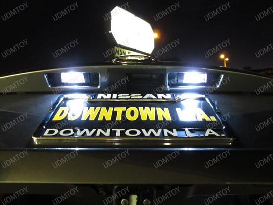 2011 - nissan - junk - licence - plate - lights - 4