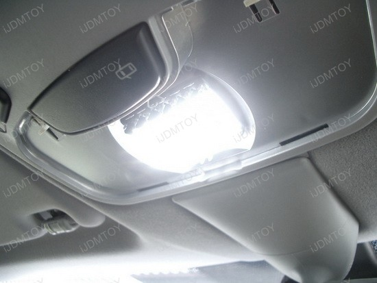 2006 - mercedes - benz - c320 - led - inteior - lights - 1