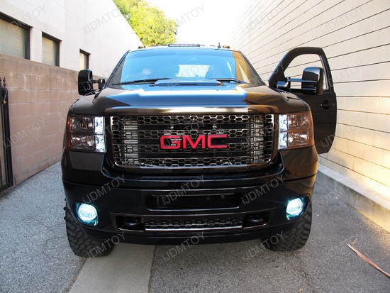 GMC Sierra Denali with LED Switchback Turn Signal Lights  Hot and
