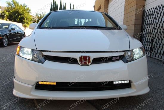 http://www.ijdmtoy.com/BLOG/Showcase/Car-LED-Blog/galleries/2011-09-14/honda-civic-switchback-led-drl-3.jpg