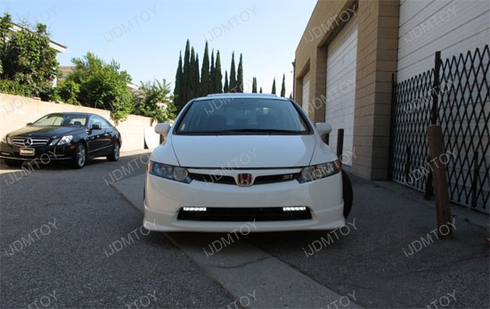 http://www.ijdmtoy.com/BLOG/Showcase/Car-LED-Blog/galleries/2011-09-14/honda-civic-switchback-led-drl-6.jpg