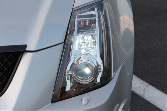 2009 Cadillac Cts Tears Up The Fog With H16 Led Bulbs