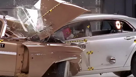 Car crash test 09
