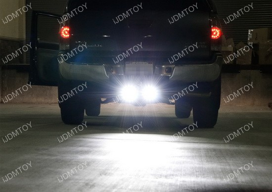 Tow Hitch Mount LED Pod Light 01