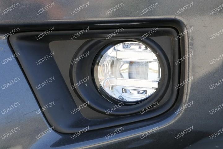 Install LED Fog Light 09