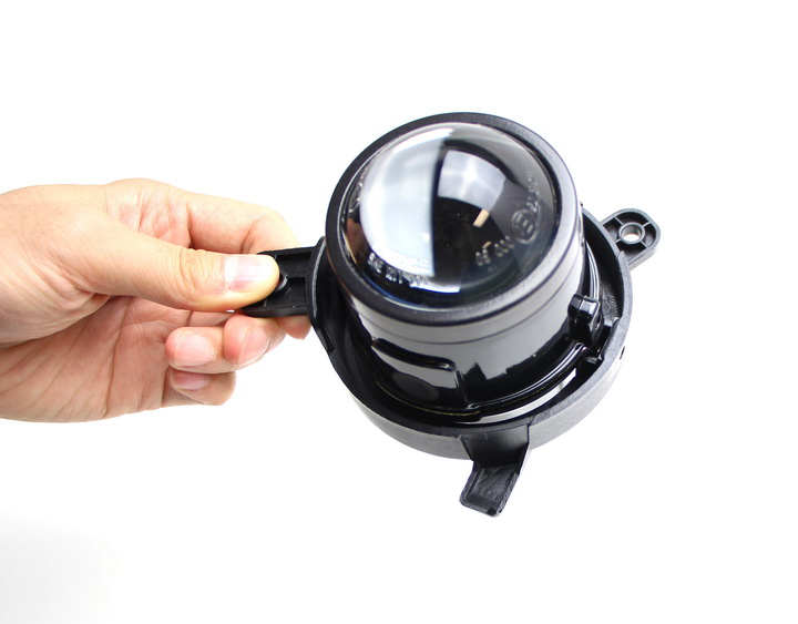 Assemble projector lens