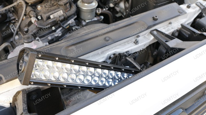 http://www.ijdmtoy.com/BLOG/Showcase/Car-LED-Blog/galleries/2016-11/Toyota-Tacoma-Install-LED-Light-Bar-01.jpg