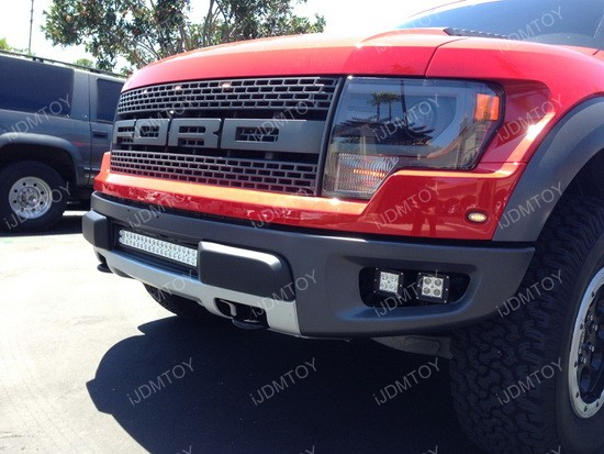 Ford Raptor LED cube fog light 01