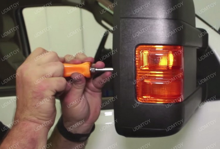 Install F250 Side Mirror LED Light 06