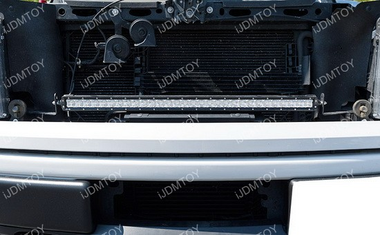 Ford F150 LED Light Bar 01