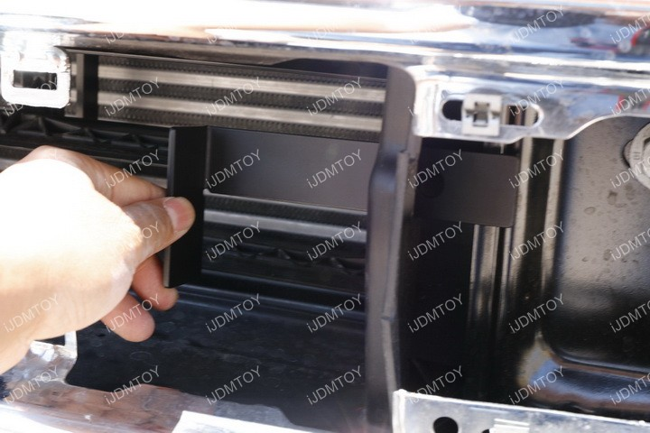 Ford F150 LED Light Bar Install 14