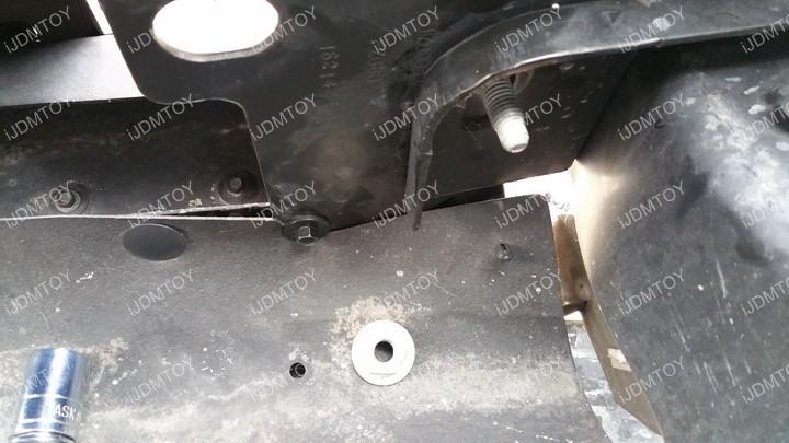 Install Ford F150 LED Light Bar 05
