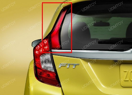 Honda Fit Taillight Install 01