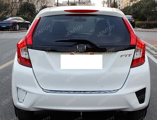 Honda Fit Taillight Install 06