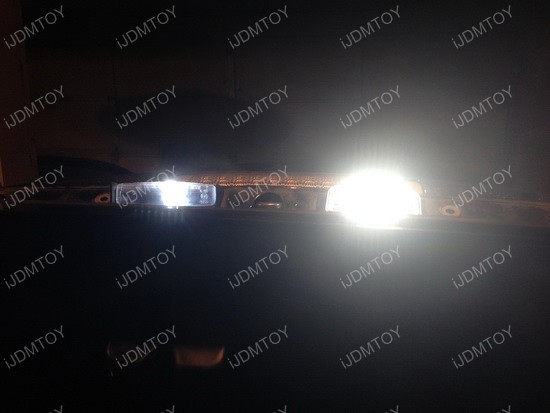 Lexus IS 300 LED License Plate Lamp 01