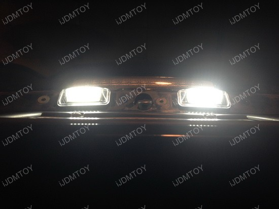 Lexus IS 300 LED License Plate Lamp 02