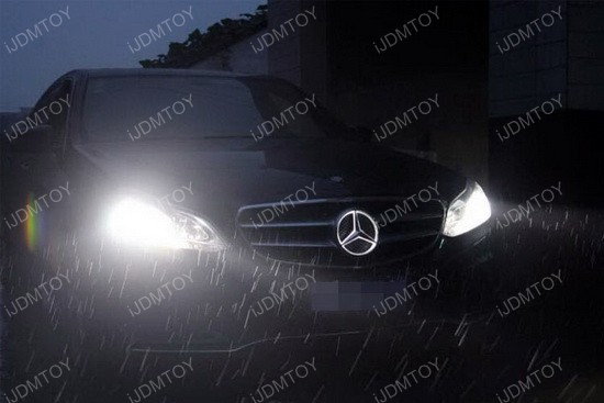 Mercedes benz led illuminated star emblem shines bright for Mercedes benz led star