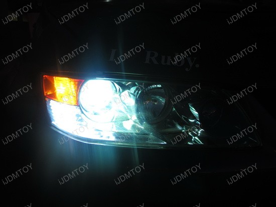 Mitsubishi Evo 8 Single Filament 7440 Switchback LED 1