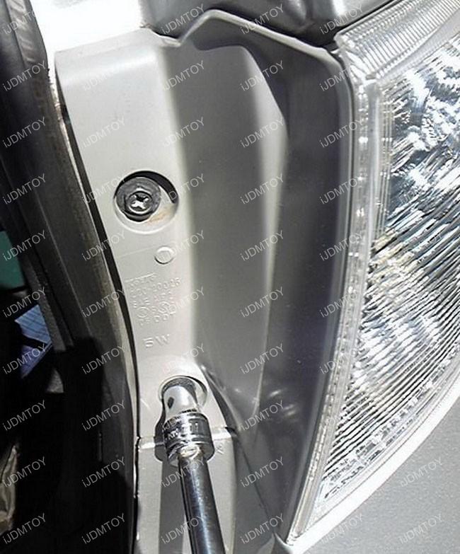 Subaru LED Reflectors Install 03