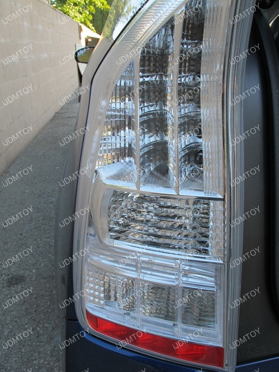 Toyota Prius 7440 LED Turn Signal 02