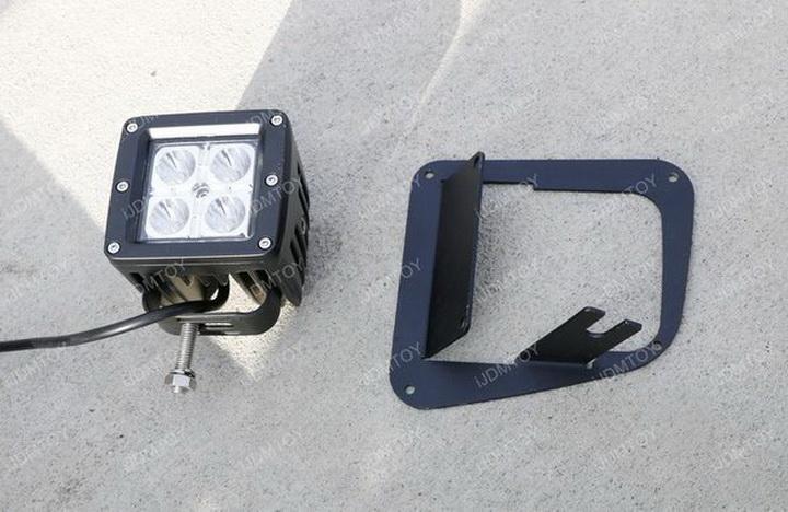 Install Toyota Tundra LED Fog Light 10