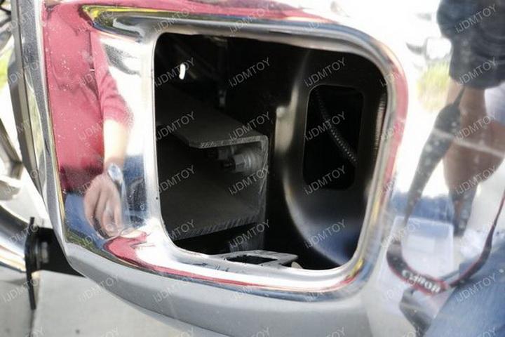 Install Toyota Tundra LED Fog Light 13