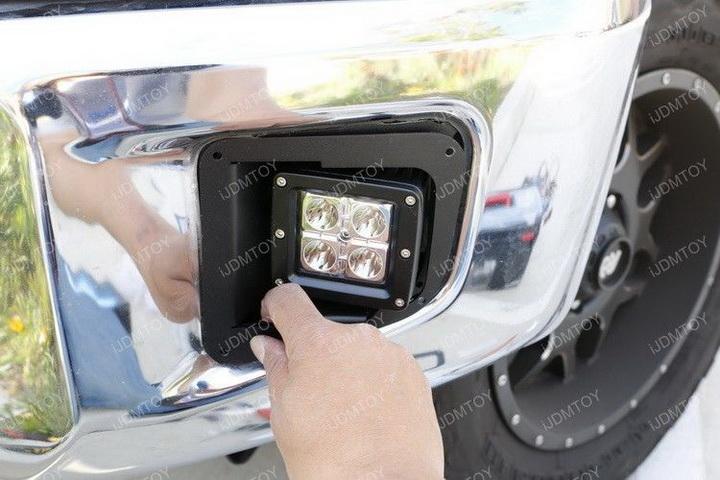 Install Toyota Tundra LED Fog Light 16
