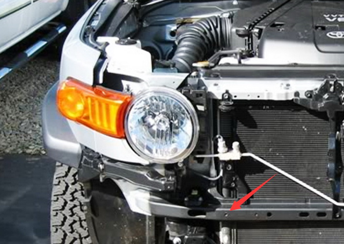 Install FJ Cruiser LED Light Bar
