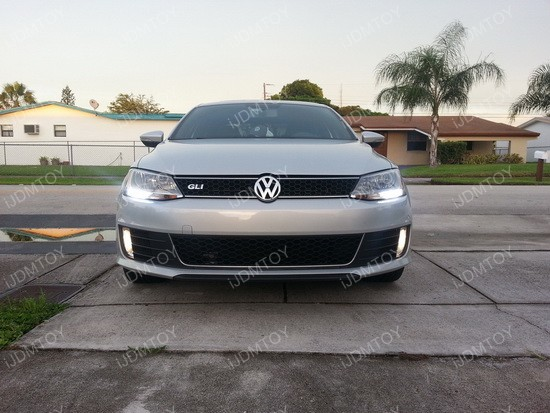 http://www.ijdmtoy.com/BLOG/Showcase/Volkswagen-LED-Lights-HID-Bulbs/galleries/2014_Vol_5/Volkswagen-CREE-DRL-07.jpg