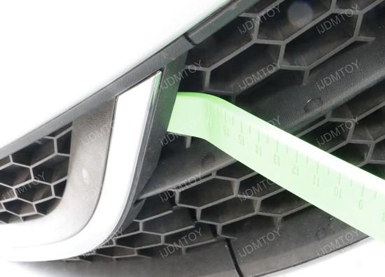 Volkswagen-Passat-remove-bumper-insert-02