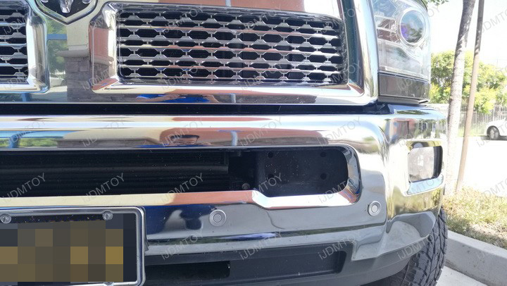 Dodge RAM LED Light Bar Install 03