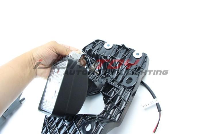 Assemble Ford F250 LED Fog Light Bezel