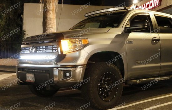 1 Piece Lower Bumper Grill Mount For 2014 Up Toyota Tundra