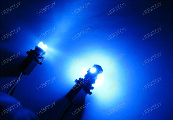 JDM Xenon White or Ultra Blue 360-Degree Shine 5-SMD 5050 T10 LED Wedge Light Bulbs for 168 194 921 2825