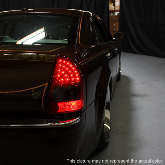 2005-2007 Chrysler 300 Black Housing LED Tail Lights