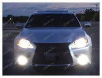Lexus GS with shiny LED fog lights